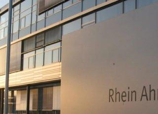 brand_sde_detail_2016_MBA_RheinAhrCampus_Remagen_Campus_schild