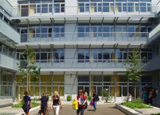 Isar-Mittelschule, Teaser