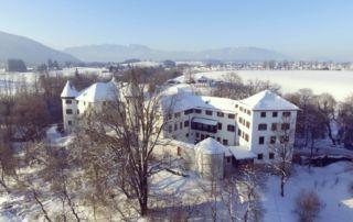 Max-Rill-Gymnasium, Schloss im Winter